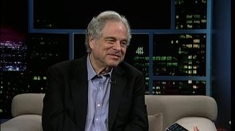 Violinist-conductor Itzhak Perlman image