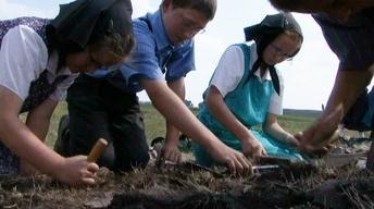 Hutterite Kids Lend a Hand