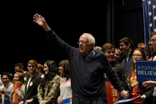 Sanders & the Dem convention, Congress passes opioid bill