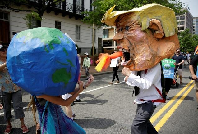 Climate marchers urge Trump to protect environment