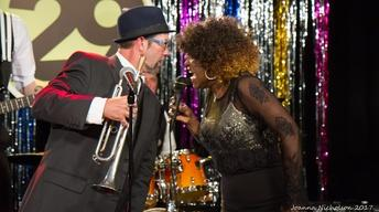 Erica Brown and The Movers & Shakers with Mo Vida