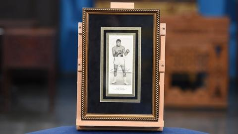 Antiques Roadshow -- S21 Ep15: Appraisal: 1964 Cassius Clay Twice-signed Promotio