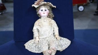 S22 Ep3: Appraisal: Rabery & Delphieu French Doll, ca. 1880