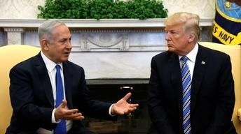 News Wrap: Trump 'not backing down' on tariffs plan