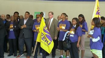 Calls for Higher Wages for Airport Workers