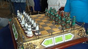 S21 Ep26: Appraisal: Austro-Hungarian Chess Set, ca. 1900