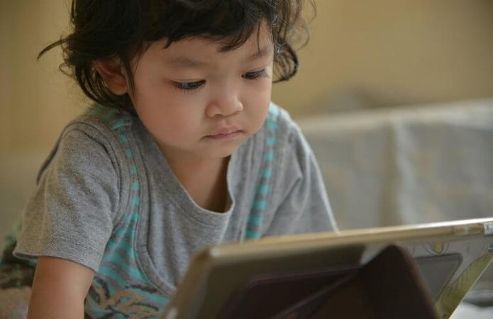 Is Touch Screen Technology Good for Your Grandchild?
