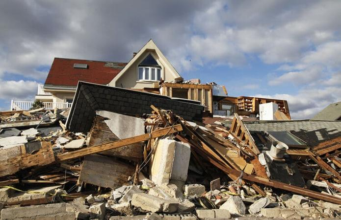 How to Volunteer and Help After a Natural Disaster