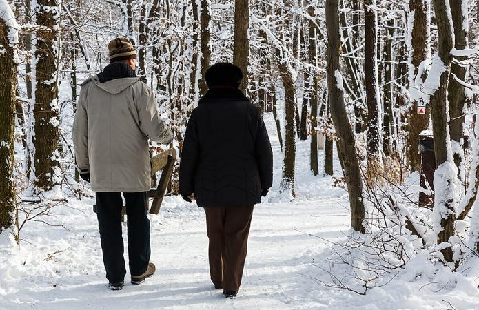 8 Tips on Walking to Avoid Winter Weight Gain