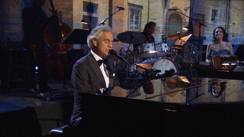 """Andrea Bocelli Sings """"Mi Mancherai"""" from Il Postino"""