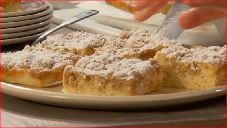 Martha Makes New York Crumb Cake
