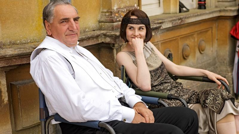 See Behind The Scenes Images From Downton Abbey's Finale