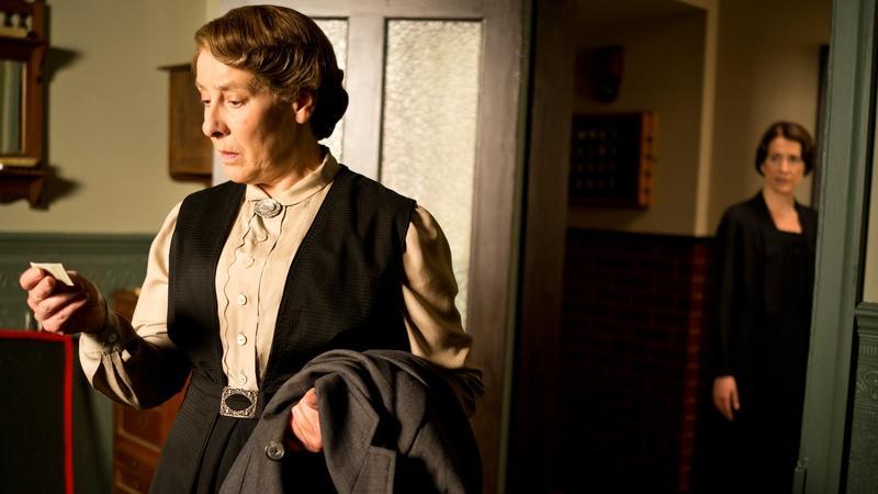 Shh! 5 Secrets of Downton Abbey