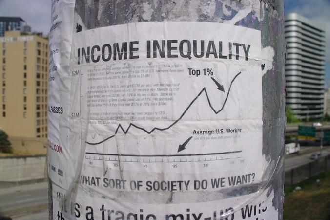 Middle class shrinks as income inequality grows, study finds