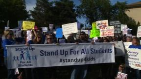 Image of Hundreds turn out to protest Jefferson County School Board