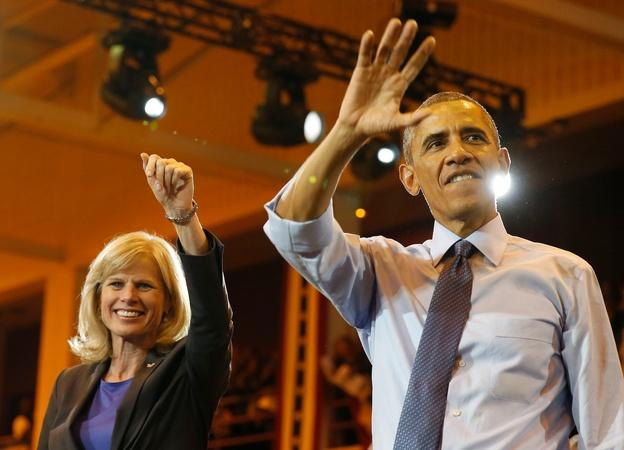 Obama sticks to fundraising, safe territory before election