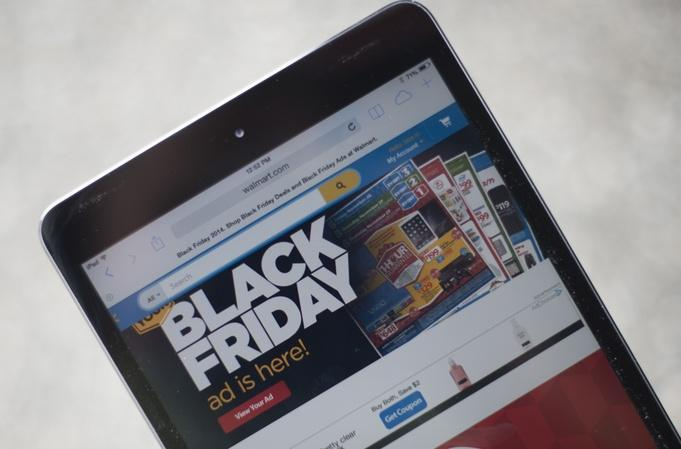 Spending behaviors shift over holiday shopping weekend