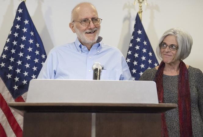 U.S. and Cuba Restore Diplomatic Ties, Swap Prisoners