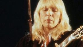 Image of Joni Mitchell Had an Aneurysm: Are You at Risk?