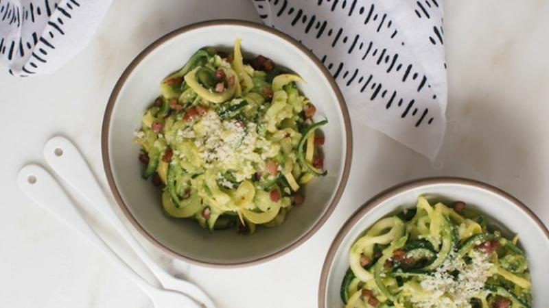 How to Make Zoodles with Pea Pesto