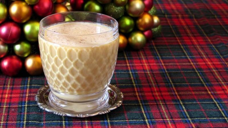 Mix Festive Holiday Cocktails This Season