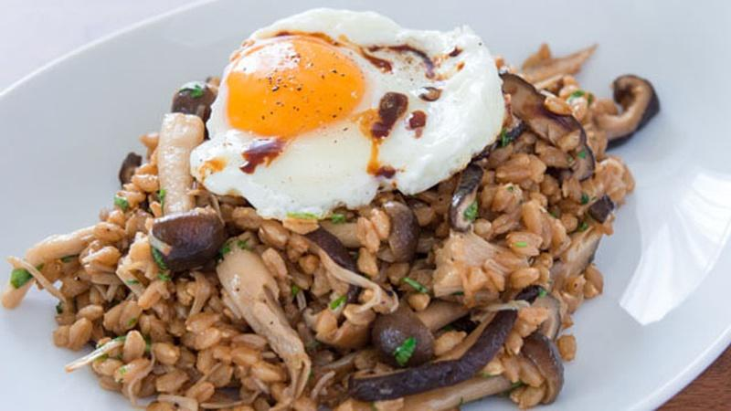 Use Mushrooms in a Warm Farro Salad