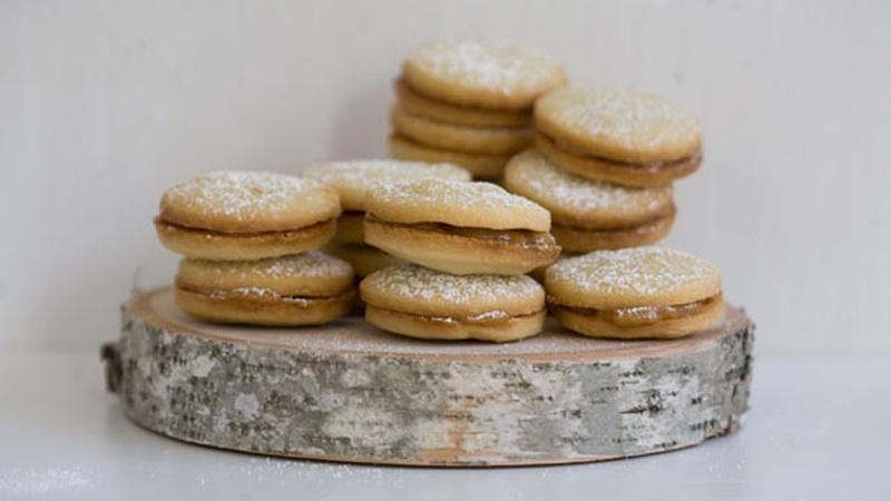 Bake Alfajores for a Peruvian Cookie