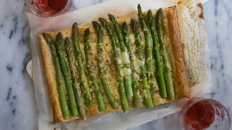 Use Puff Pastry to Make an Asparagus Tart