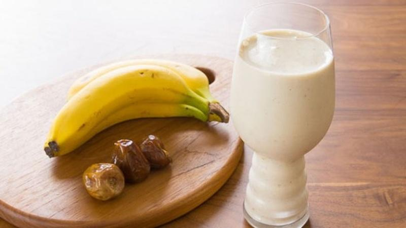 Blend Up a Banana Date Tahini Smoothie