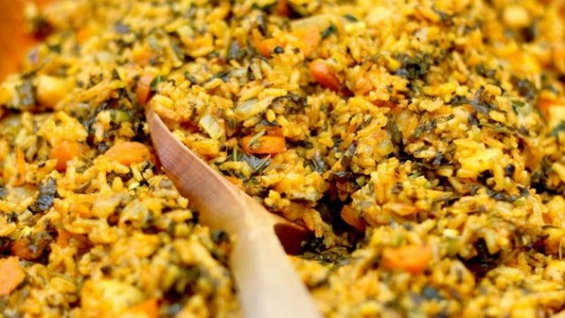Enjoy Tunisian Spinach Rice for a Filling Meal