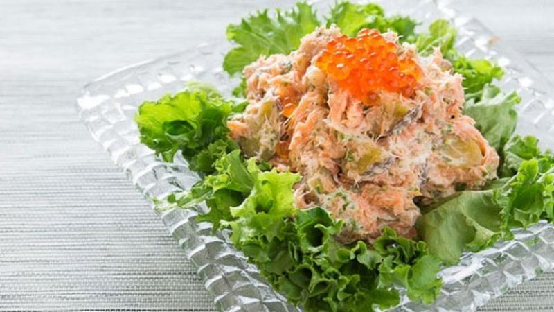 Make Salmon and Potato Salad