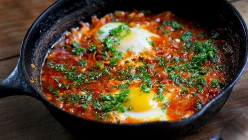 Make Shakshouka for a Hearty Meal