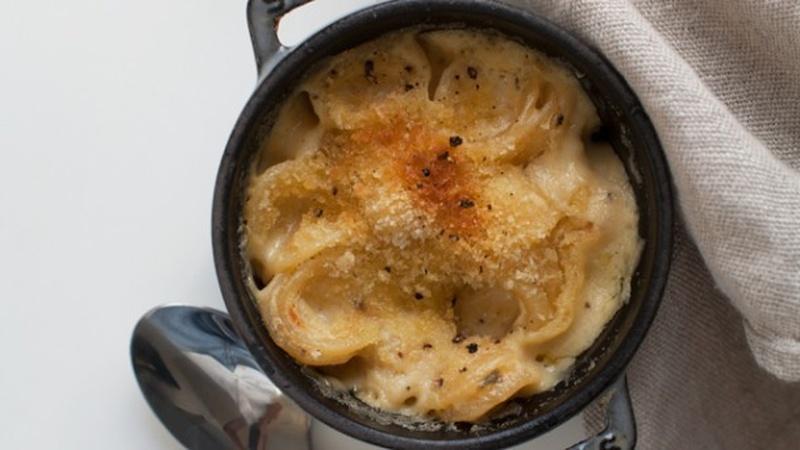 Make Smoked Cheddar Mac 'n Cheese