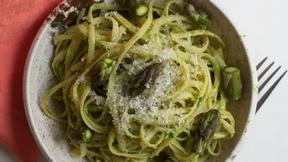 Image of Toss Pasta in Asparagus Pesto