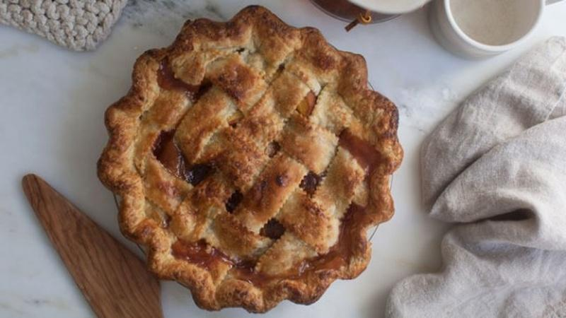 Enjoy Classic Peach Pie to Taste Summertime