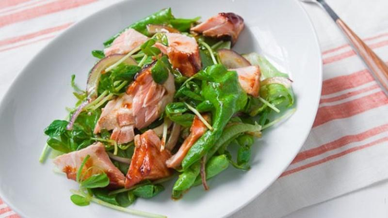 Prepare a Hoisin Salmon Salad