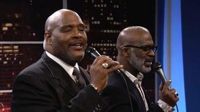 "Image of The Winans Brothers perform ""If God Be For Us"""