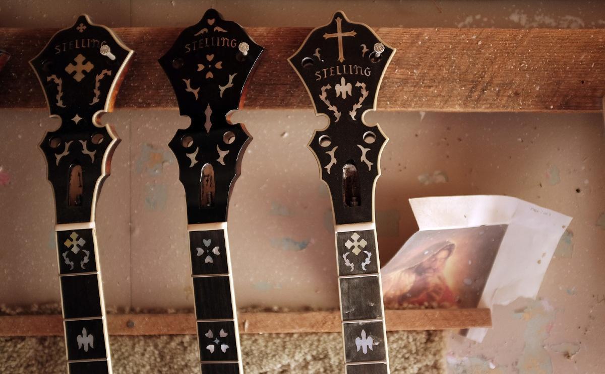 MUSIC Geoff Stelling banjos