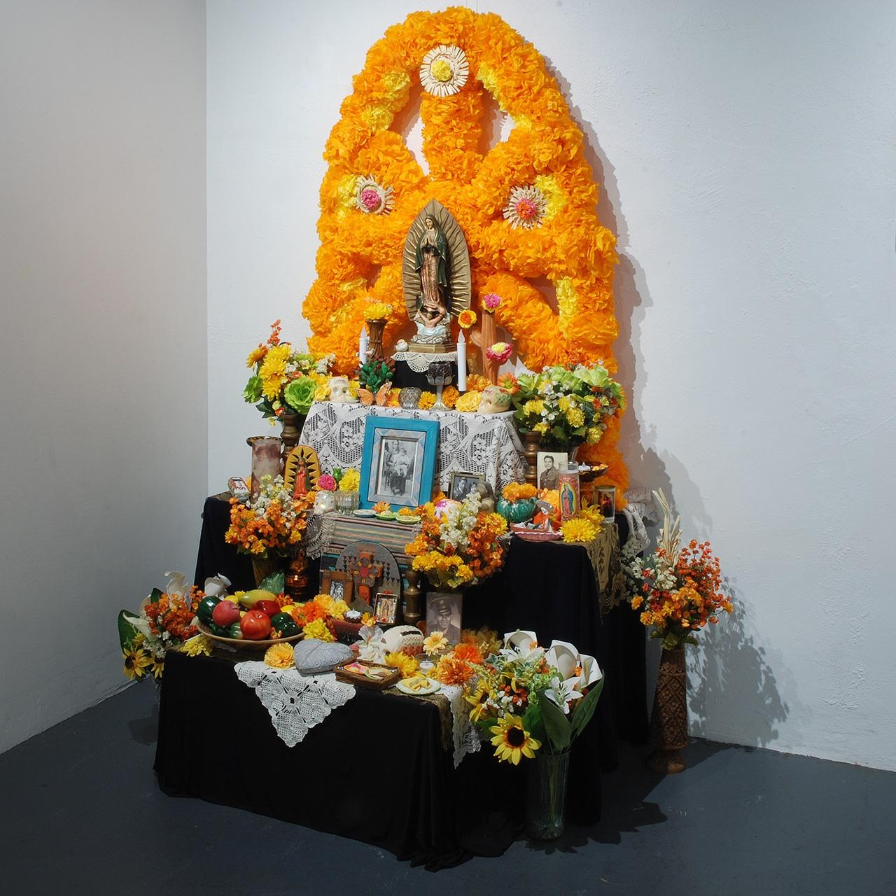 Objects, Borders and Neighbors, Ofelia Esparza, Altar