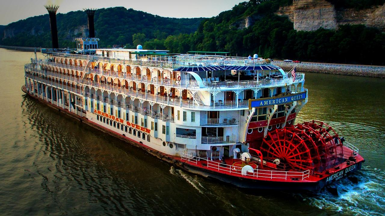 overhead view of the American Queen on the Mississippi at night