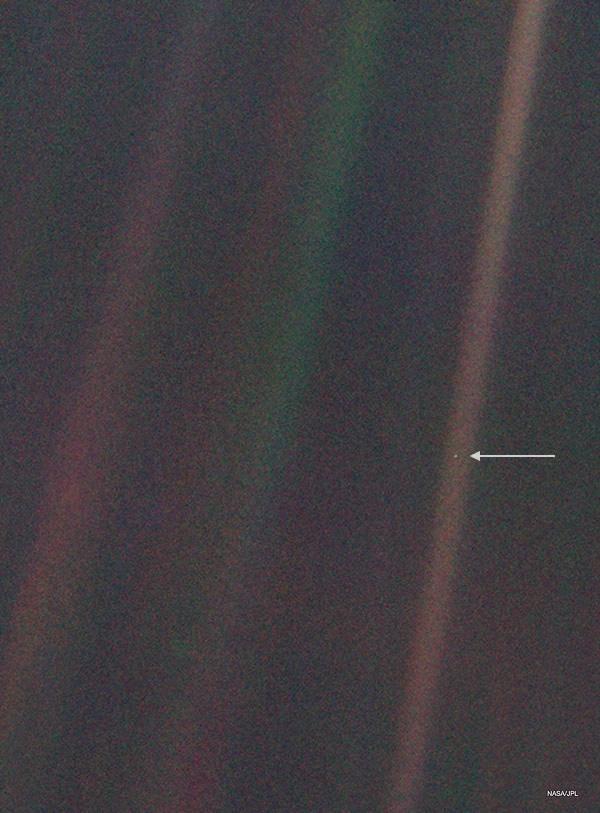 Photo of pale blue dot, Earth