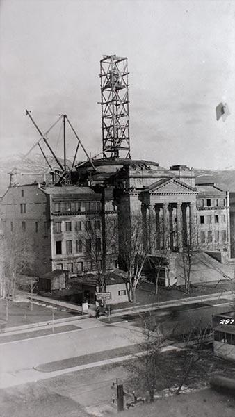Work on the Capitol dome