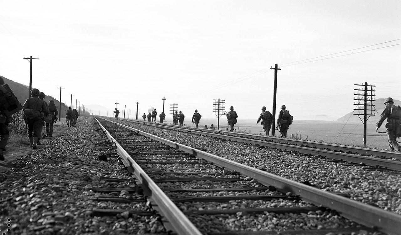 Marines move down the main line to Seoul
