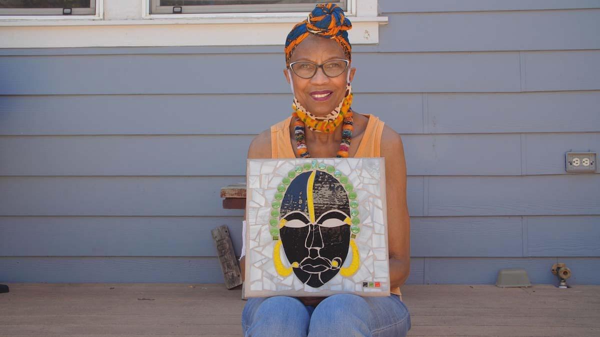 Joice Thomas mosaic artist