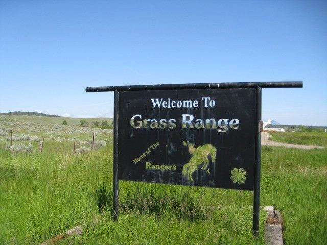 Grass Range Sign