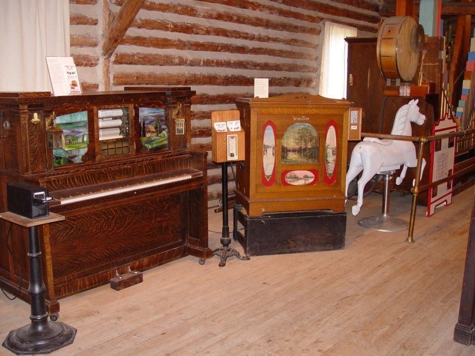 old time music machines in Nevada City's music hall