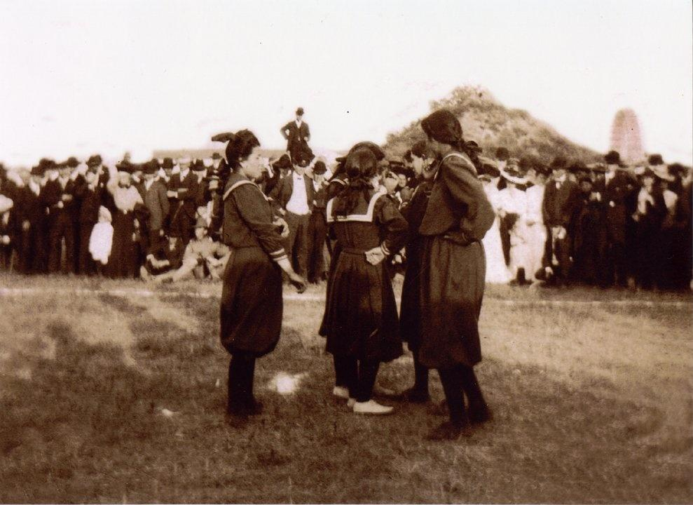 Fort Shaw indian boarding school huddle 1904 st. louis world's fair championship game
