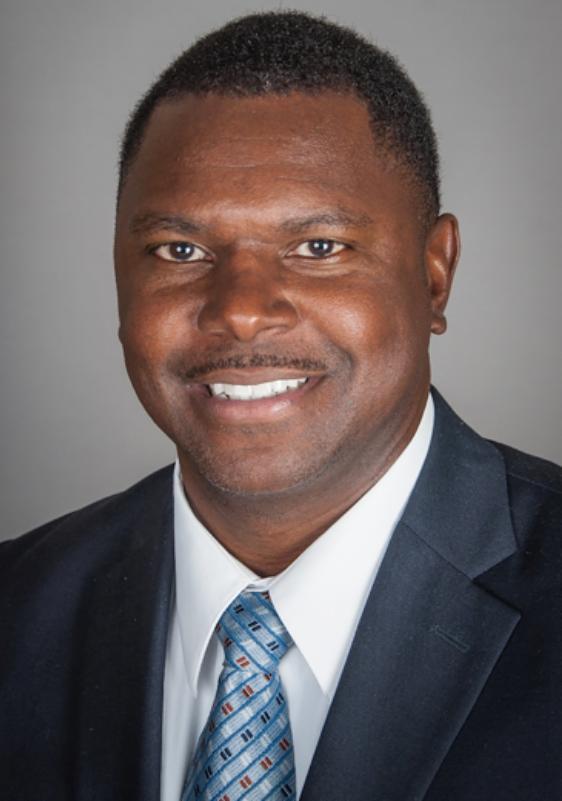Dr. Shawn Mackey headshot