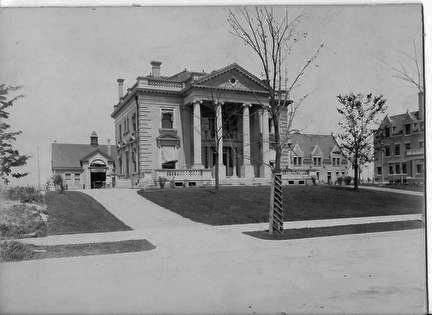 Photo of Fred Pabst, Jr. Mansion on Highland Blvd.