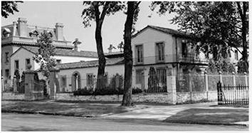 Photo of Lloyd Smith House is now known as Villa Terrace